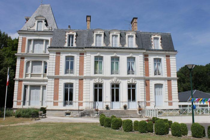Chateau-de-La-Manderie-Ouzouer-des-Champs