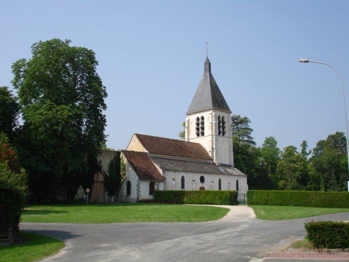 Eglise_Villemoutiers_2011_01(@mairie Bellegarde)