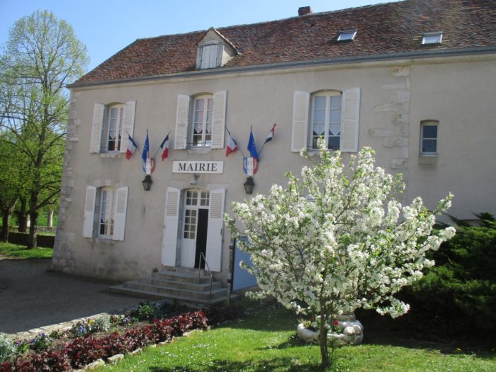 Montbouy—mairie