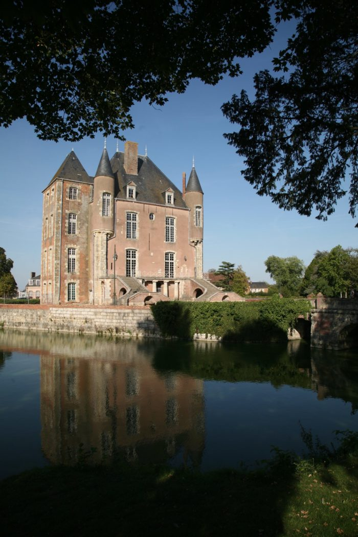 chateau-duc-d-antin01