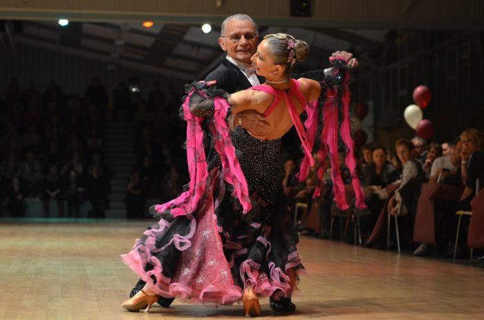 dance-641672_1280