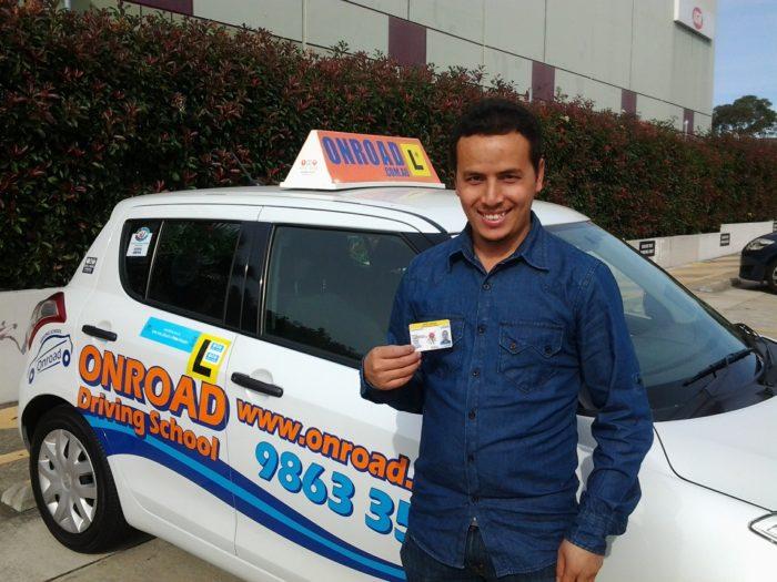 driving-instructors-380066_1920