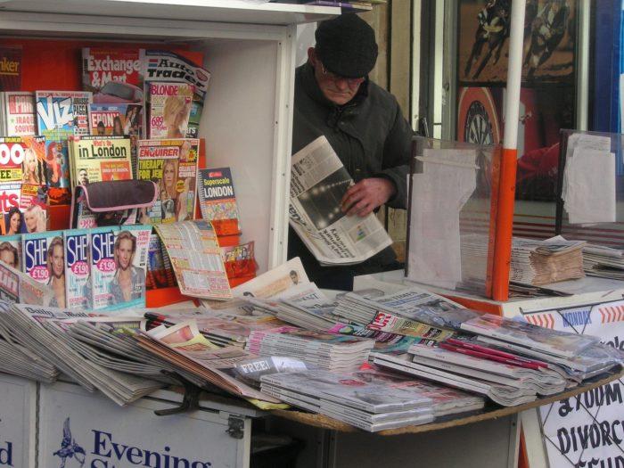 newspapers-677393_1920