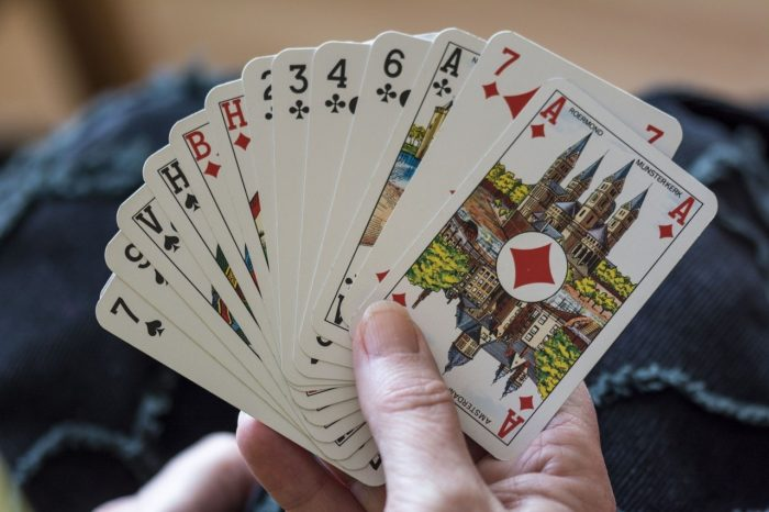 playing-cards-1252374-1280
