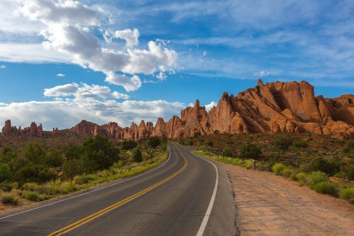 road-1802030_960_720