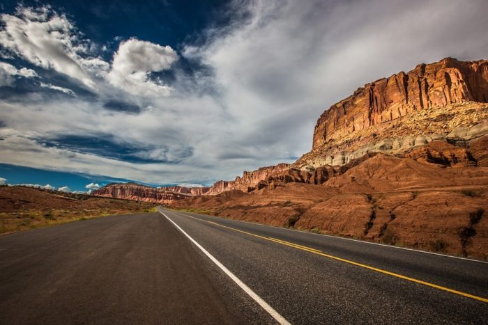 road-1958388_960_720