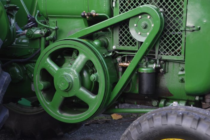 tractor-4675101_1920